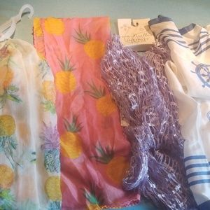 Lot of 4 scarfs